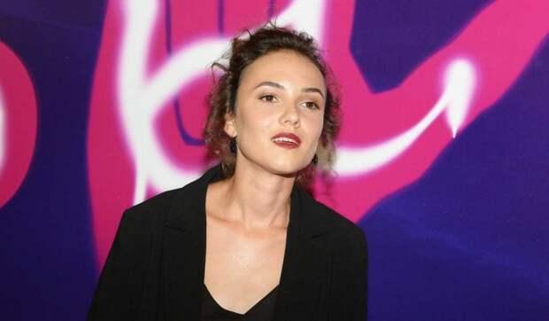 «Поливают грязью»: известная актриса сорвалась из-за травли в Сети