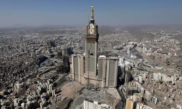 Абрадж аль-Бейт – самая большая и самая высокая башня с часами в мире. Саудовская Аравия