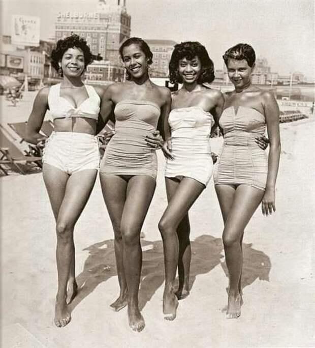 Винтажные купальники прошлых лет