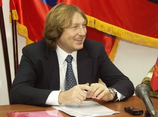 Депутата-справедливоросса объявили в розыск