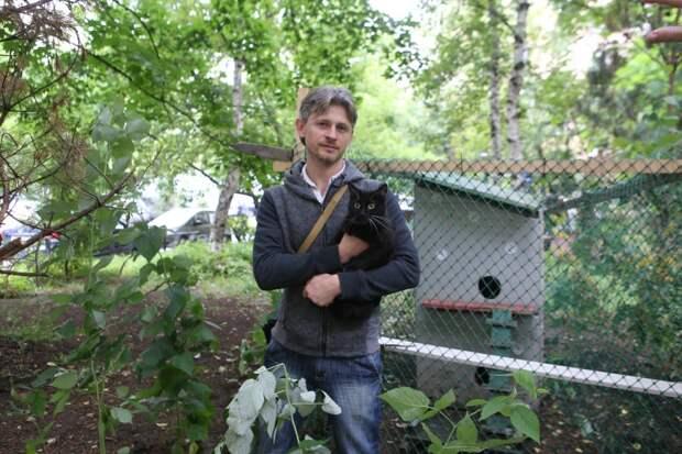 И новосёлы, и жители дома очень довольны/ Ярослав Чингаев