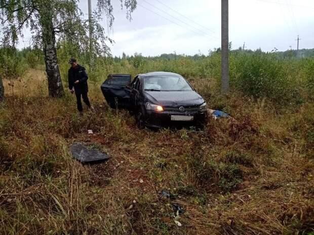 В Глазовском районе водитель иномарки не справился с управлением и погиб в опрокинувшейся машине