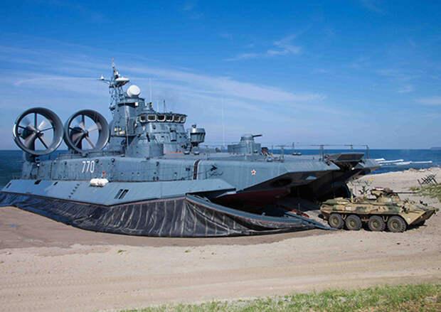 Более 15 буксиров и других судов Балтийского флота привлечены для обеспечения X Международного военно-морского салона