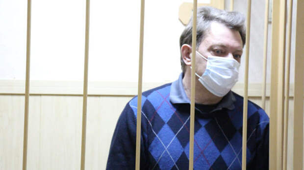 Истинное лицо «борцунов с коррупцией»: либералы тщетно пытаются защитить главного коррупционера Сибири