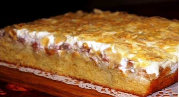 Какая же это вкуснятина «Юлькин пирог». Нежнейший пирог с персиками и грушей