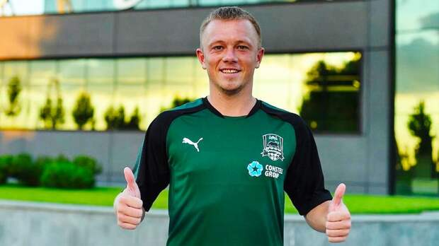 «Это моя главная боль». Янбаев рассказал, как уходил из «Локомотива» в «Краснодар» и почему считает это ошибкой