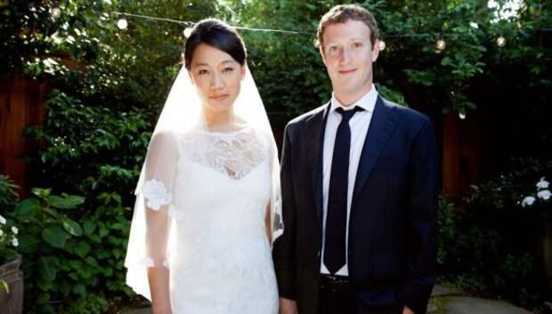 Со школьной скамьи: знаменитости, которые заключили брак со своей первой любовью