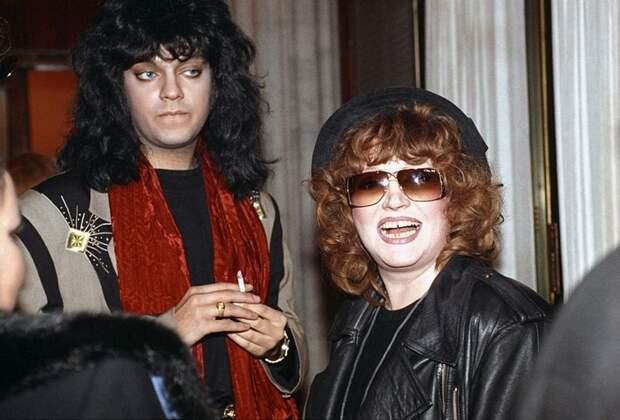 ХVIII фото любимых знаменитостей, которых не узнать. Перенесемся в 90-е!