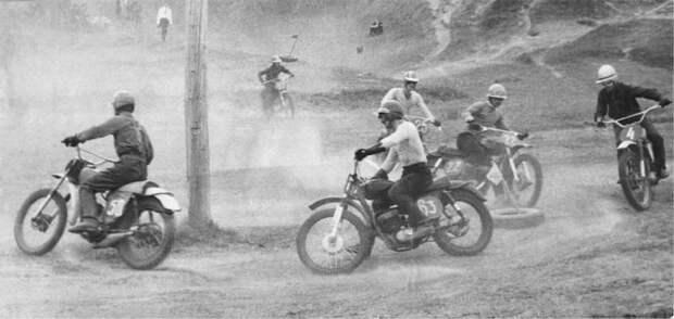 8. Мотокросс в СССР — самый популярный вид мотоциклетного спорта. В стране проводились соревнования, начиная с первенства районов и городов и заканчивая первенством Советского Союза. СССР, авто, автомобили, олдтаймер, ретро авто, ретро техника, ретро фото, советские автомобили