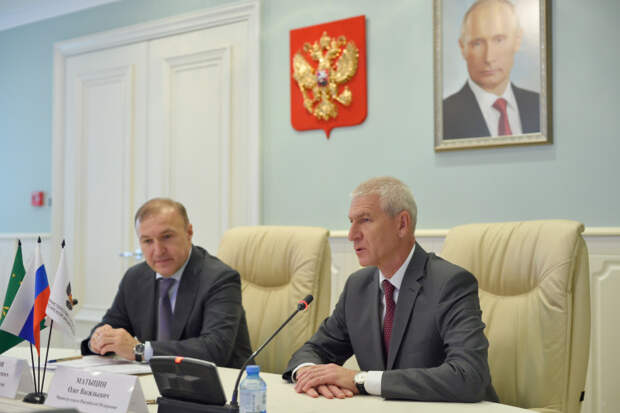 В Адыгею с рабочим визитом прибыл министр спорта России Олег Матыцин