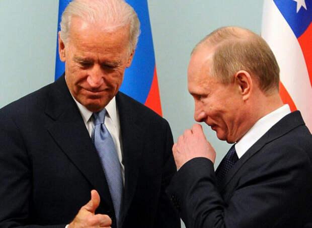 Пушков объяснил, зачем Байдену срочно нужно встретиться с Путиным