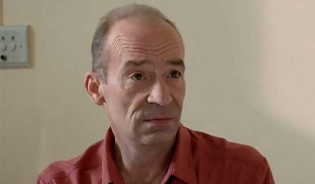 Актер из «Приключений Электроника» женился в пятый раз