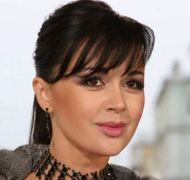 Появилась новая информация о здоровье Анастасии Заворотнюк