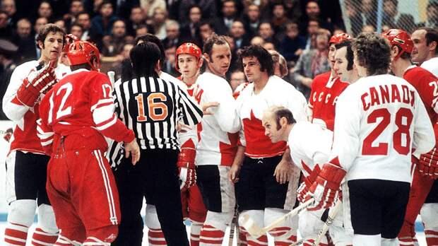 Легендарная драка СССР— Канада. НаМихайлова напали двое, онбил Бергмана коньком, тот показывал «жест смерти»
