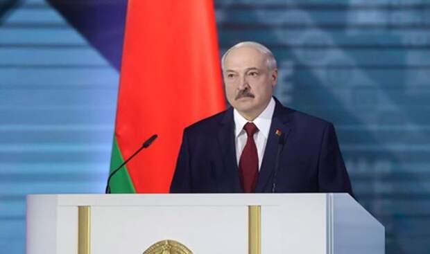 Лукашенко призвал протестующих белорусов устроиться на работу