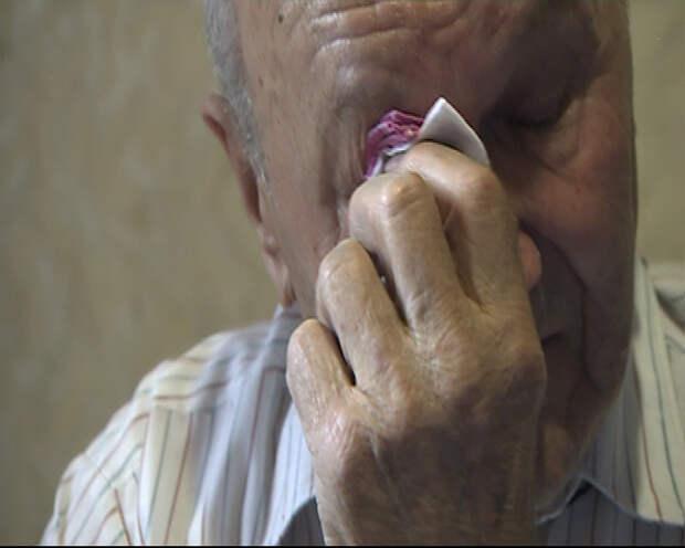 Ветеран, боровшийся против укрофашистов живет в доме без крыши (видео)