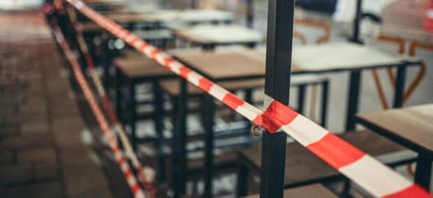В Подмосковье запретили посещать кафе и заселяться в гостиницы без прививки или ПЦР-теста