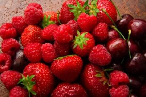 Меряем стаканами. Сколько ягод в день можно съесть