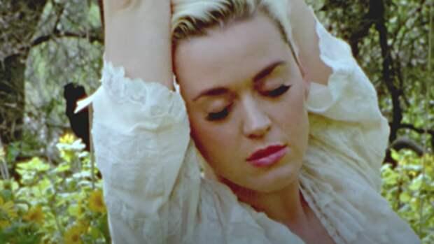 Беременная Кэти Перри выпустила клип на первый трек из нового альбома