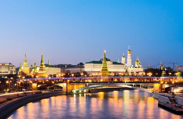 «До выборов президента еще далеко». Что стоит за разговорами о поиске Путиным преемника?