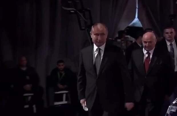 Трогательное открытие Владимиром Путиным стелы «Свеча памяти»