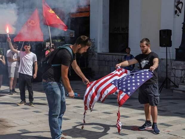 «Золотая молодежь» США участвует в погромах под лозунги коммунистов