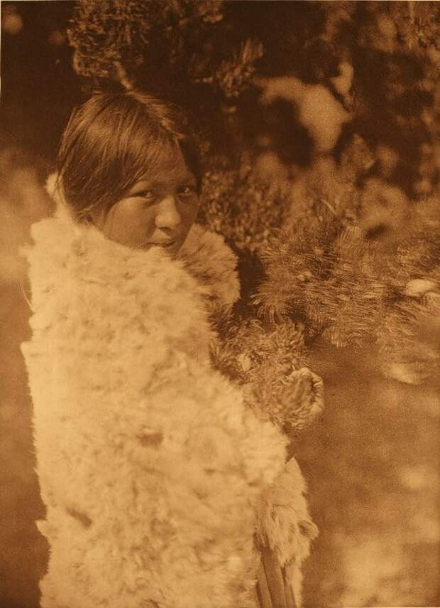 Североамериканская индианка (индеанка) из народа кри. Фото