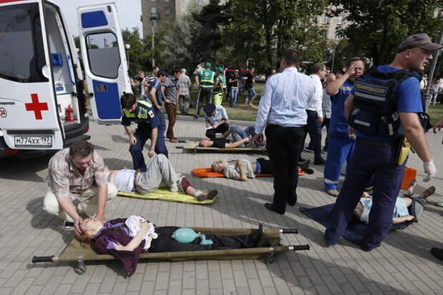 Как минимум 20 человек погибли и еще 150 пострадали при аварии в московском метро (обновляется)