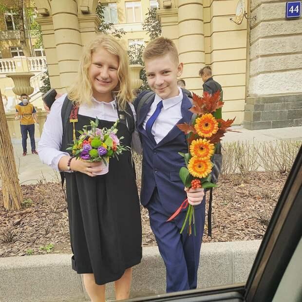 Алла Пугачева, Павел Прилучный и Евгений Плющенко отправили детей в школу