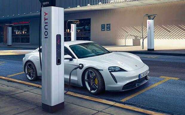 Porsche, как удар током — представлен новый Taycan
