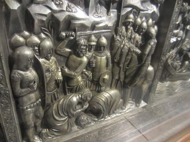 Алтарь церкви св. Якова работы Джовани ди сер Двовани, 1360 гг. Пистоя.