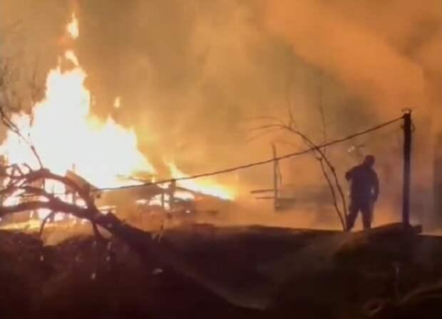 В развлекательном парке Анапы потушили пожар