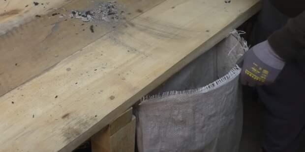 Вставка фиксирует горловину мешка. / Фото:youtube.com/watch?v=bnEU6qnN-MI