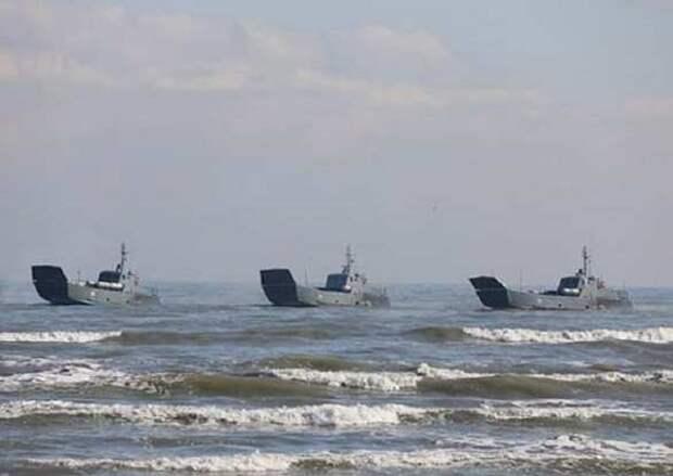 ВМФ России перебрасывает особые силы к берегам Украины в Каспийском и Чёрном море