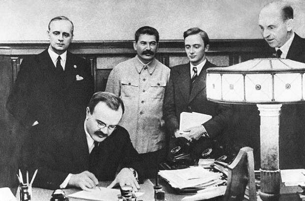 Что стало с немецкими дипломатами в СССР после нападения Гитлера