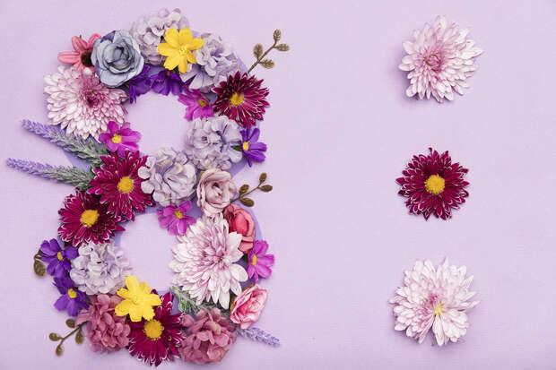 Цветы назвали самым бесполезным и одновременно желанным подарком на 8 Марта