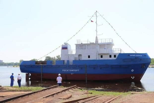На Балаковском судостроительно-судоремонтном заводе спустили на воду новый гидрографический катер