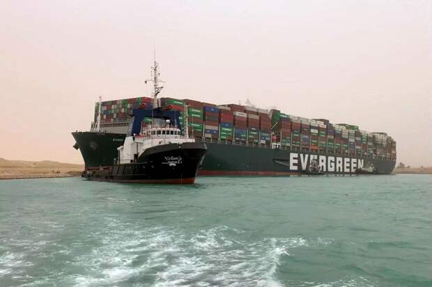 Самая дорогая пробка: чем грозит мировой экономике авария в Суэцком канале