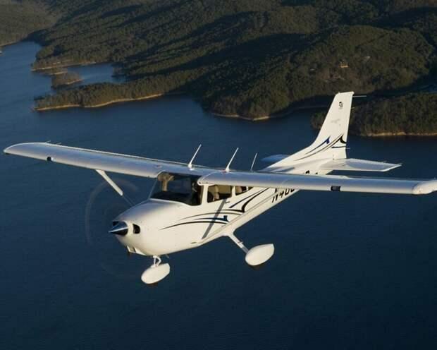 Cessna 172 автомобили, вертолёты, самое массовое, самое-самое, самолёты, техника