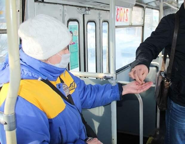 Пенсионеры Ижевска стали реже ездить на общественном транспорте