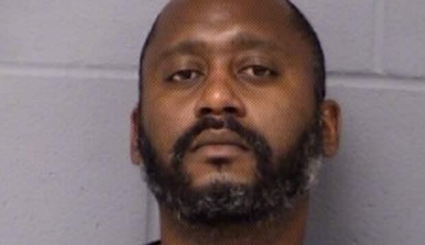 Бывшего заместителя шерифа арестовали в связи со стрельбой, в результате которой погибло 3 человека