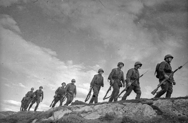 Легендарные ФОТО Великой Отечественной войны Евгения Халдея