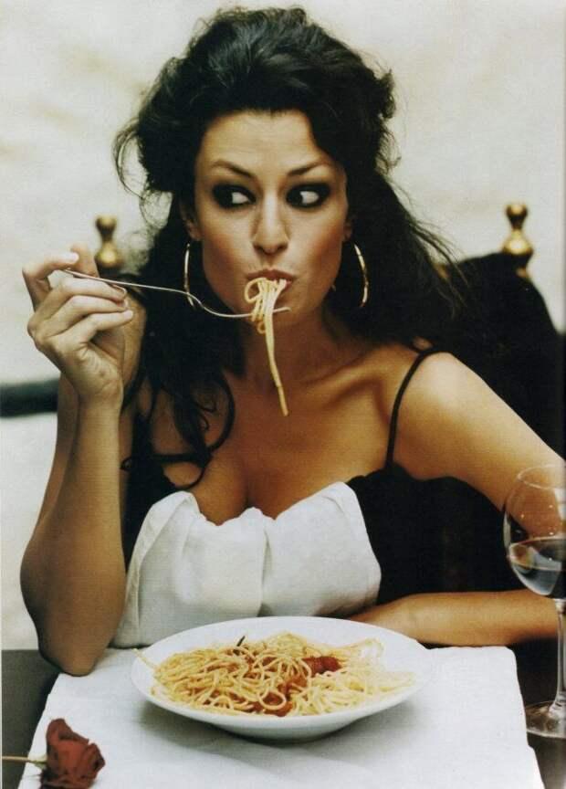 """Как не поправляться на """"вредной еде"""" : секреты итальянцев и французов"""