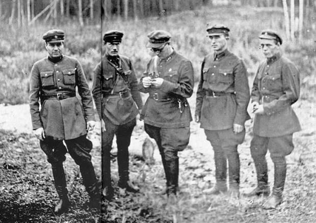«Палачи-мародёры»: как расстрельные команды НКВД грабили смертников