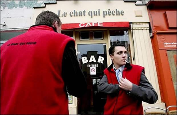 Жилетки для курящих во французском ресторане. /Фото: trade-drive.ru