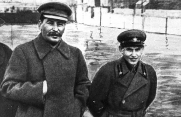 Какие секретные папки собрал Ежов на Сталина