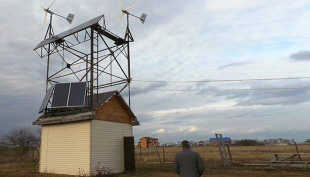 Мужчина из Кубани отключился от электросетей, построив автономный дом