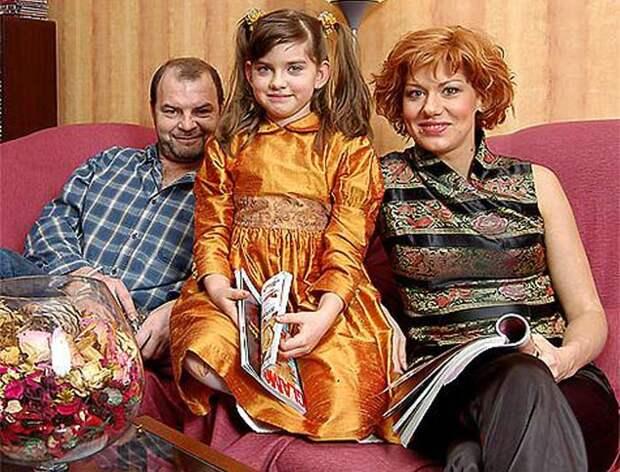 «Увела мужа у подруги — Климовой: Тайны личной жизни Елены Бирюковой