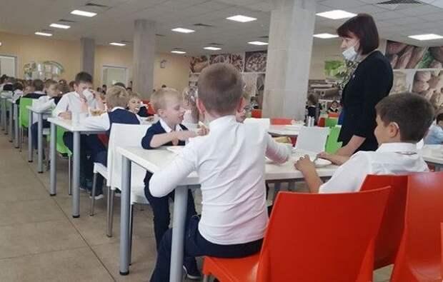 135 школьников подцепили кишечную инфекцию в столовой