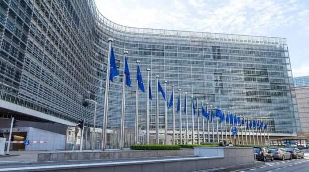 Военные операции и авиаудары: евродепутат обвинил США в беззаконии